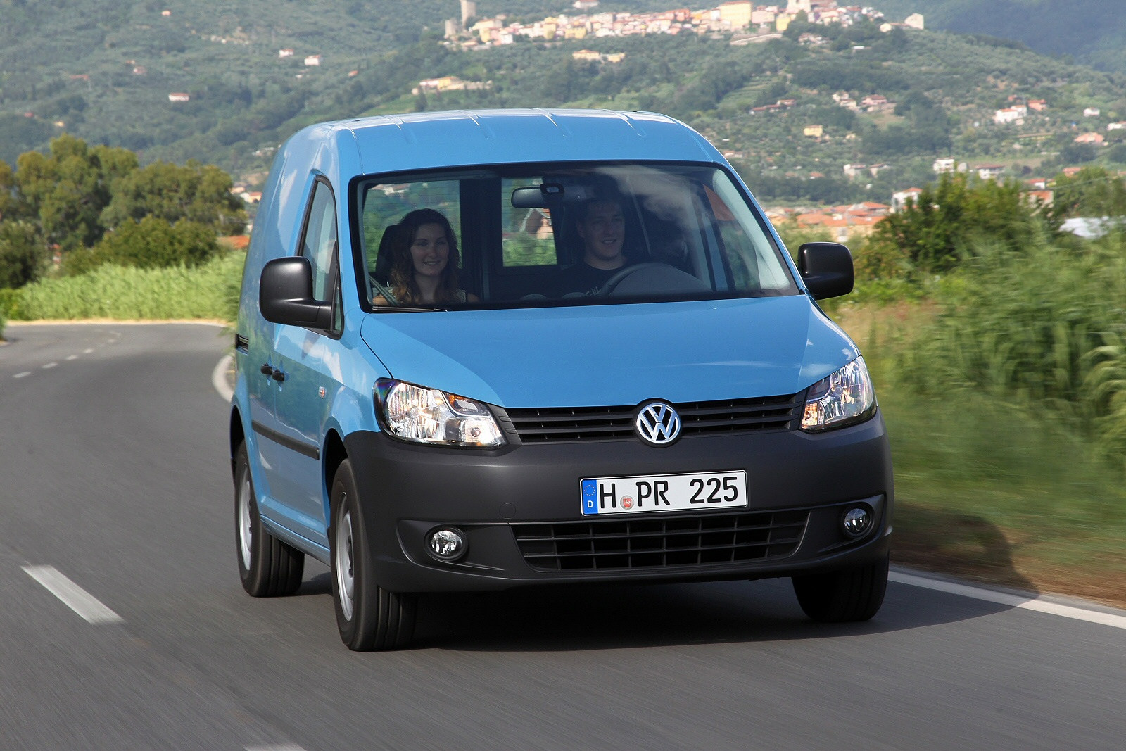 Image four of a Volkswagen Caddy Maxi Van