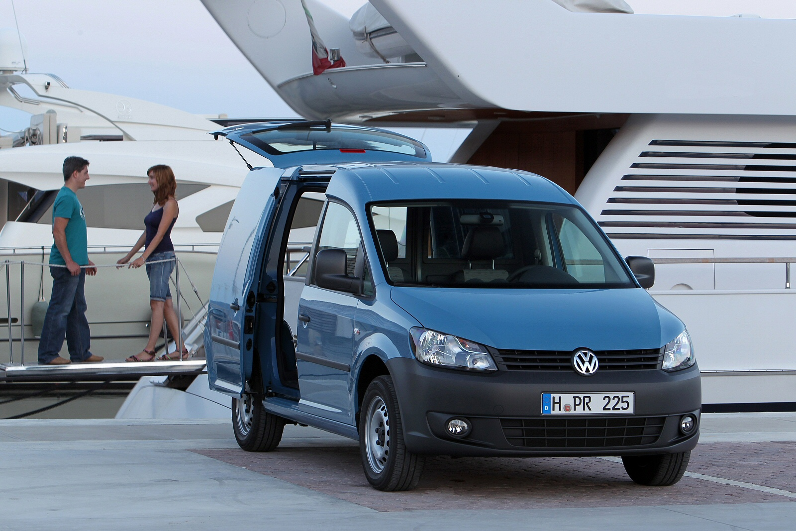 Image seven of the Volkswagen Caddy Maxi Van