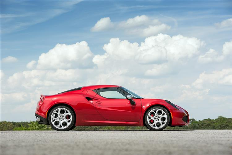http://f2.caranddriving.com/images/new/big/alfaromeo4c0114(2).jpg