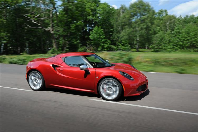 http://f2.caranddriving.com/images/new/big/alfaromeo4c0114(6).jpg