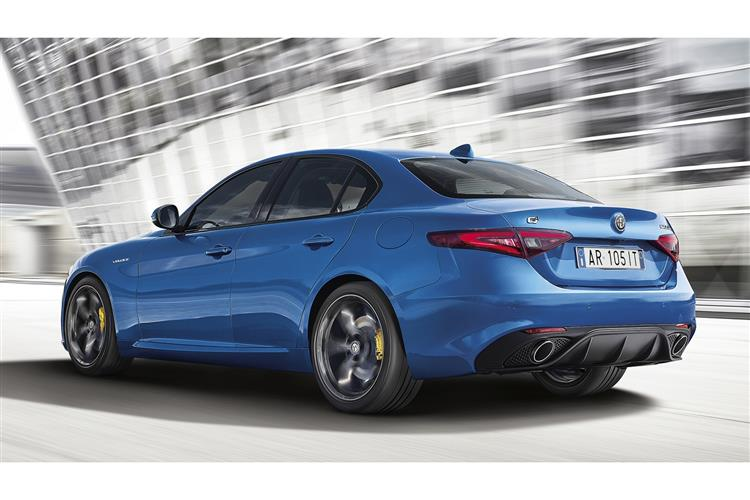 http://f2.caranddriving.com/images/new/big/alfaromeogiulia0417(6).jpg