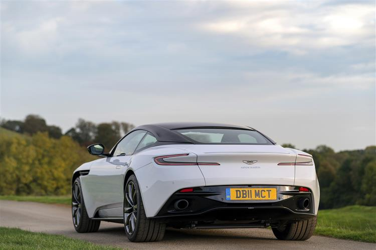 Aston Martin DB11 Volante - The return of the ultimate sports convertible GT image 11