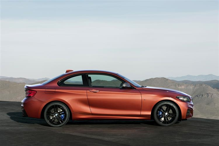 http://f2.caranddriving.com/images/new/big/bmw2seriescoupe0617(2).jpg