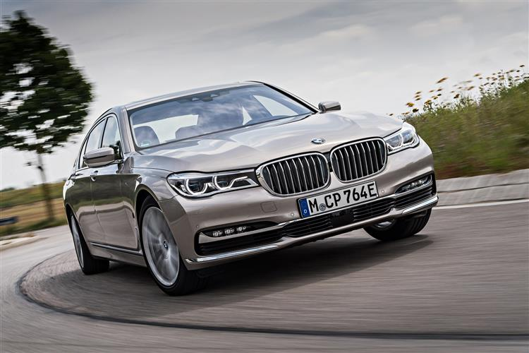 http://f2.caranddriving.com/images/new/big/bmw7series0517(4).jpg