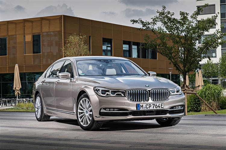 http://f2.caranddriving.com/images/new/big/bmw7series0517.jpg