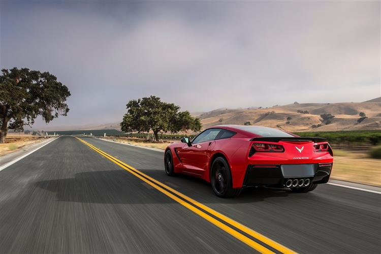 http://f2.caranddriving.com/images/new/big/chevroletcorvettestingray1013(6).jpg