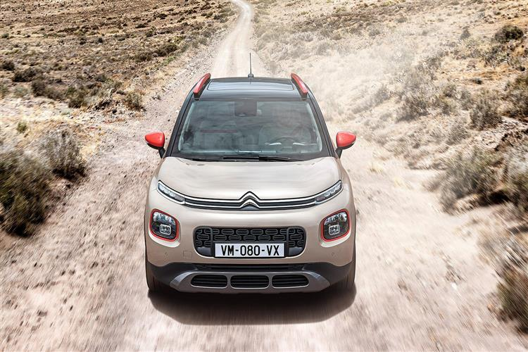 http://f2.caranddriving.com/images/new/big/citroenc3aircross1117(4).jpg