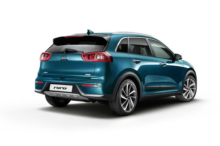 http://f2.caranddriving.com/images/new/big/kianiro0316(10).jpg