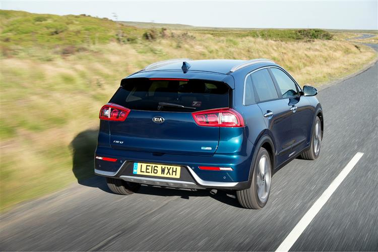 http://f2.caranddriving.com/images/new/big/kianiro0316(4).jpg
