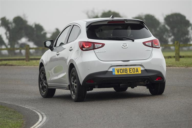 http://f2.caranddriving.com/images/new/big/mazda20418(4).jpg