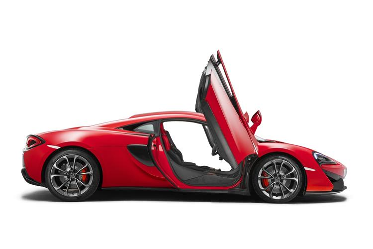 http://f2.caranddriving.com/images/new/big/mclaren540c0615(4).jpg