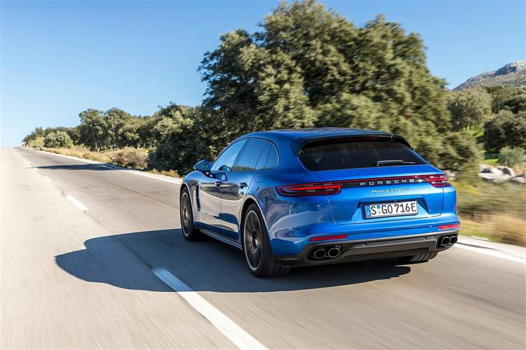 http://f2.caranddriving.com/images/new/big/porschepanamera1018(4).jpg