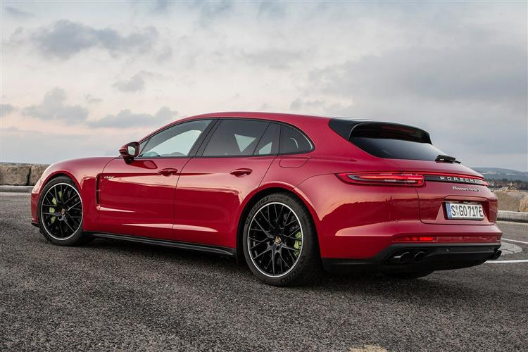 http://f2.caranddriving.com/images/new/big/porschepanamera1018(8).jpg