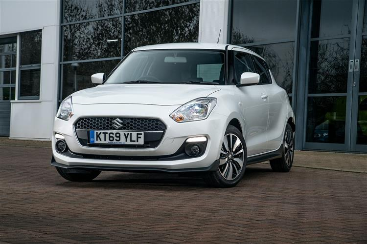 http://f2.caranddriving.com/images/new/big/suzukiswift0417.jpg