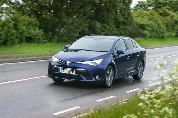 http://f2.caranddriving.com/images/new/big/toyotaavensis0615(5).jpg