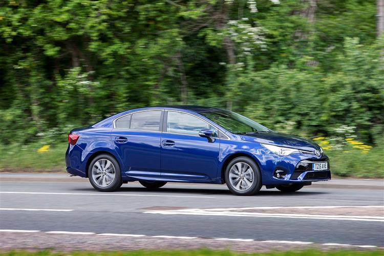http://f2.caranddriving.com/images/new/big/toyotaavensis0615(6).jpg