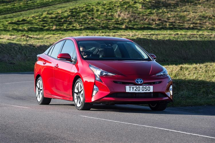http://f2.caranddriving.com/images/new/big/toyotaprius0319(4).jpg