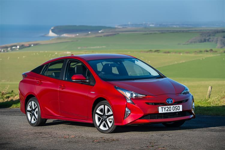 http://f2.caranddriving.com/images/new/big/toyotaprius0319.jpg
