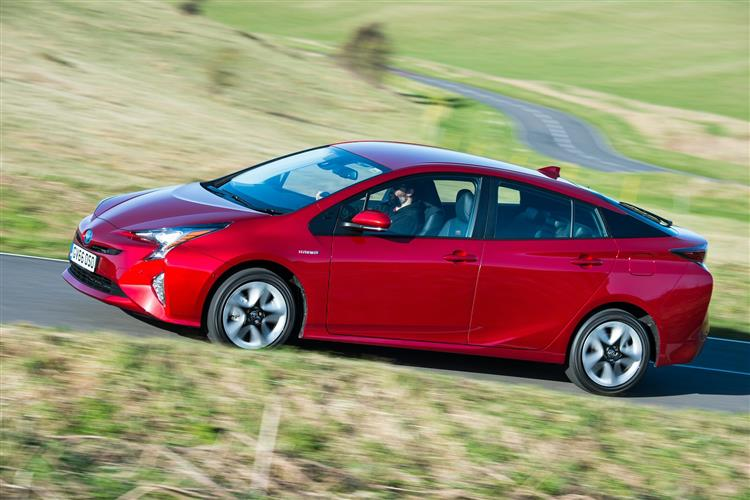 http://f2.caranddriving.com/images/new/big/toyotaprius1215(6).jpg