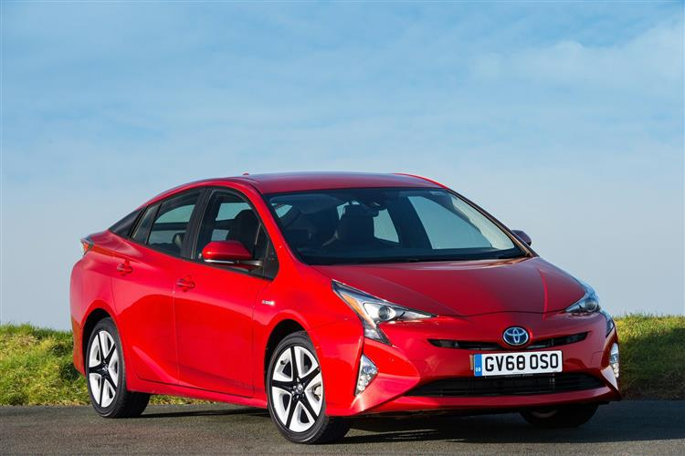 http://f2.caranddriving.com/images/new/big/toyotaprius1215.jpg