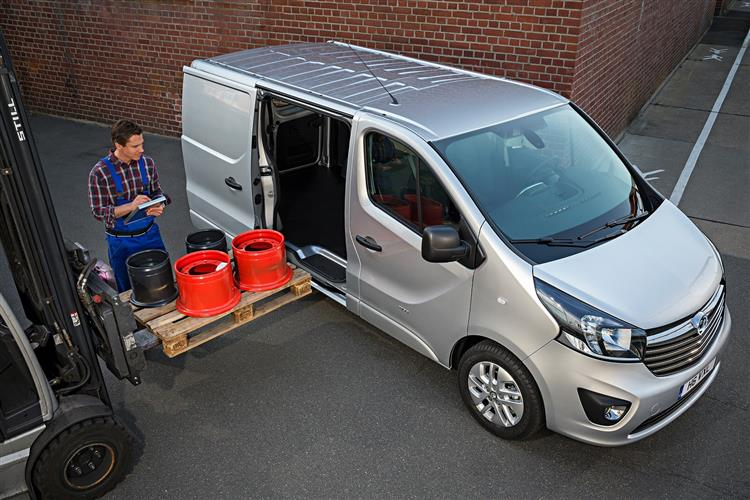 http://f2.caranddriving.com/images/new/big/vauxhallvivaro0714(6).jpg