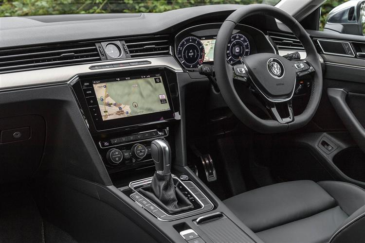 http://f2.caranddriving.com/images/new/big/volkswagenarteon0617int.jpg