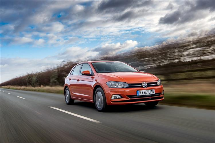 http://f2.caranddriving.com/images/new/big/volkswagenpolo0717(4).jpg