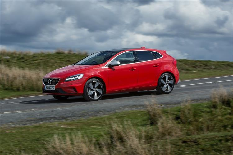 http://f2.caranddriving.com/images/new/big/volvov40t20416(4).jpg