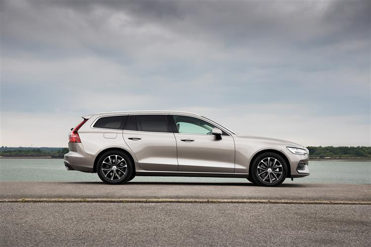 Volvo New V60 D3 Momentum Including Metallic Paint image 2 thumbnail