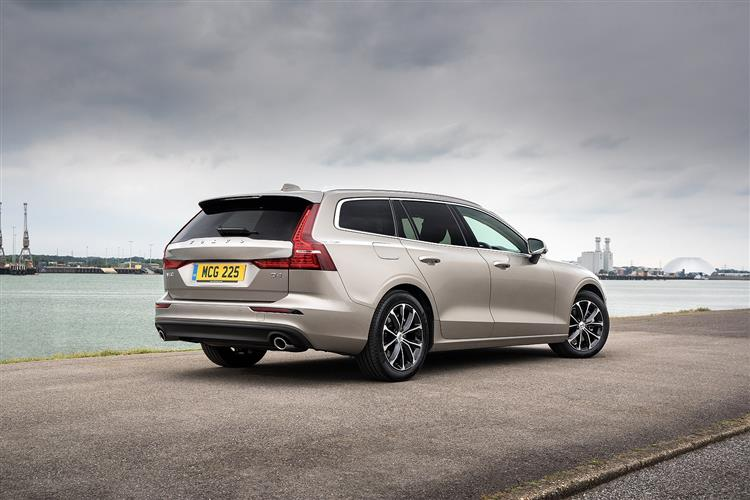 Volvo New V60 D3 Momentum Including Metallic Paint image 3 thumbnail