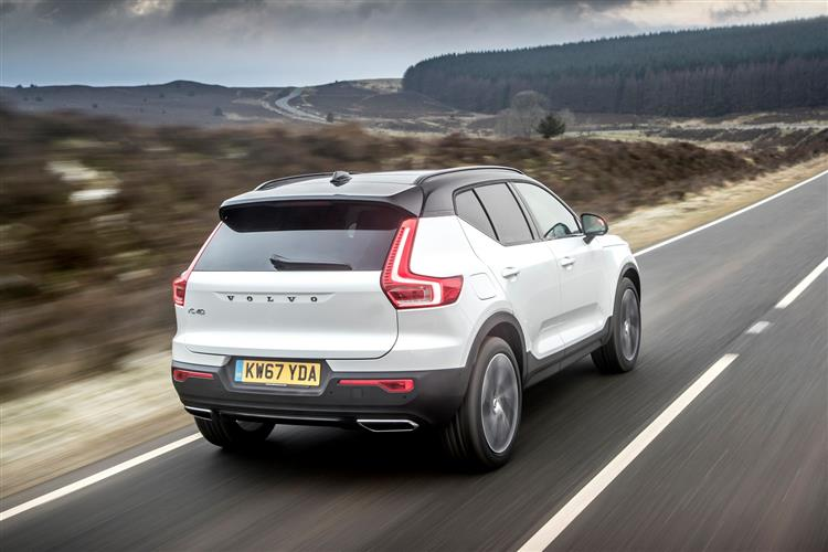 http://f2.caranddriving.com/images/new/big/volvoxc40d40418(6).jpg
