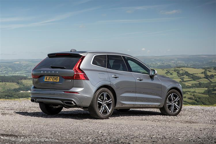 Volvo XC60 D4 Momentum Including Metallic Paint image 2 thumbnail