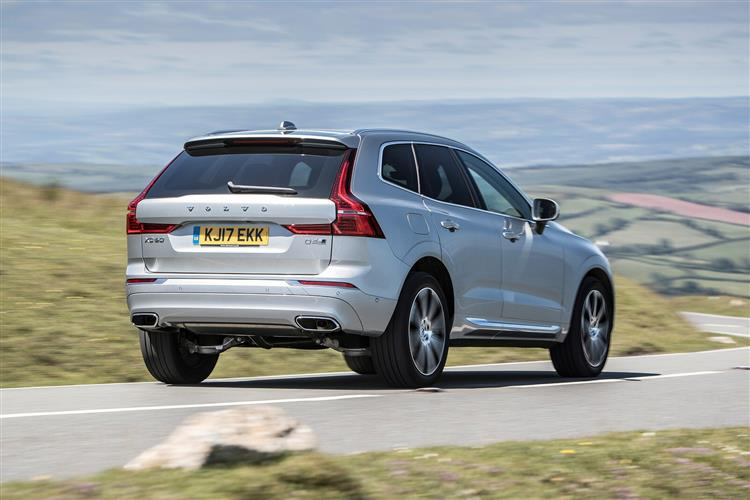 Volvo XC60 D4 Momentum Including Metallic Paint image 6 thumbnail