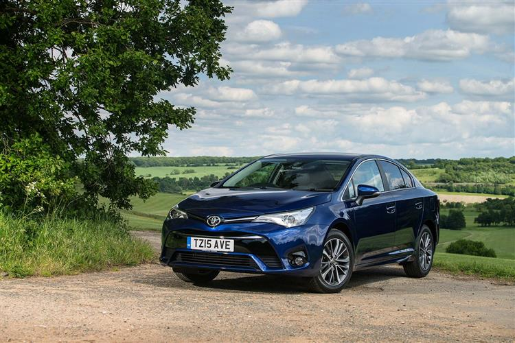 http://f2.caranddriving.com/images/new/big/wvtoyotaavensis0715.jpg