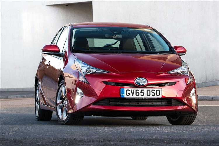 http://f2.caranddriving.com/images/new/big/wvtoyotaprius2016.jpg