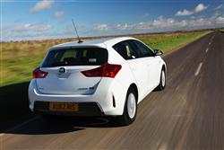 New Toyota Auris (2013 - 2015) review