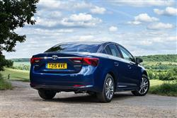 New Toyota Avensis (2014 - 2018) review