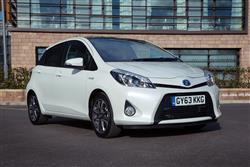 New Toyota Yaris Hybrid (2012 - 2014) review
